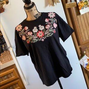 Zara Trafaluc short sleeve tee shirt size medium